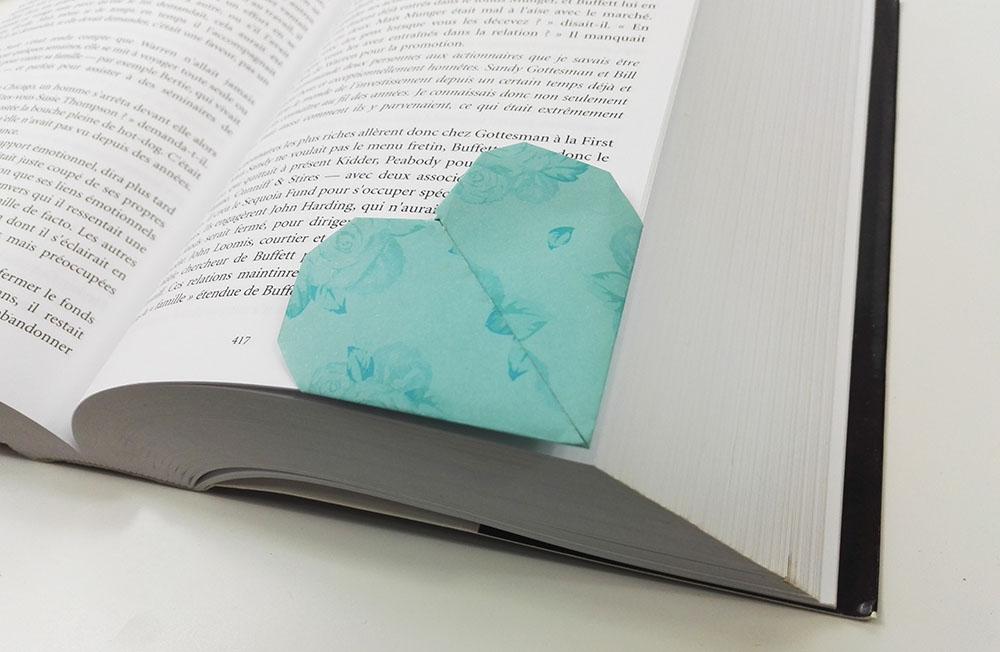 Fabrication d'un marque-page origami en forme de coeur